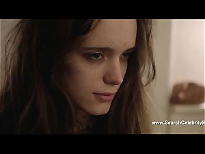 sensuous Stacy Martin blows beef whistle and is gobbled