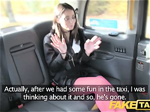 fake cab Italian beauty in tights assfuck fucky-fucky