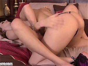 Dani Daniels, Nadia Noir - We do not need guys - we love fuckbox