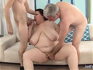 adorable bbw Is double Teamed by two phat pricks
