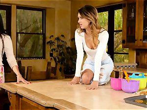 Mercedes Carrera seduces marvelous babe Uma Jolie