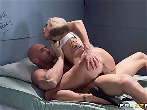 Nina Elle boinks a stunning con in front of her hotwife spouse