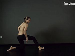 FlexyTeens - Zina demonstrates supple bare body