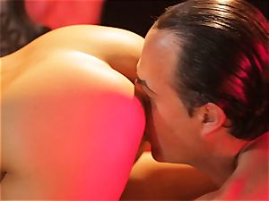 Asa Akira gets her warm lips round a enormous long cock