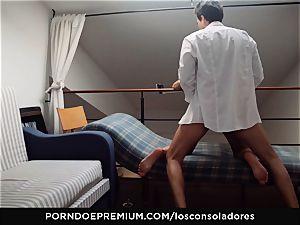 LOS CONSOLADORES - Alexa Tomas likes gang sex
