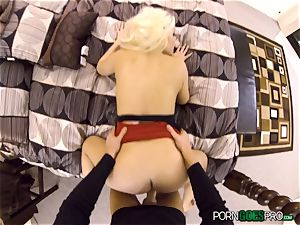 wild blonde honey Britney Amber penetrated in her jiggly fuckbox pie pudding
