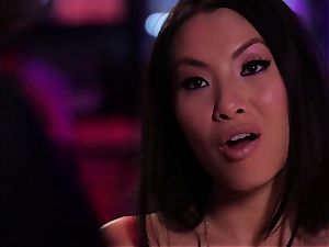 Asa Akira gives this guy some serious experience