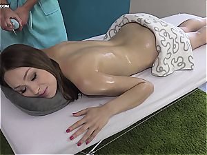 super-cute Eurobabe gets her oiled cooch fingerblasted
