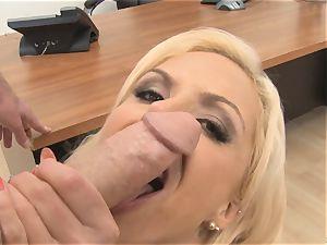 killer assistant Nina Elle deep throats rod in the office