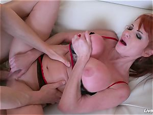 LiveGonzo Taylor Wane huge-chested cougar Wants More fuck-a-thon