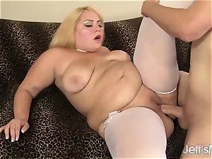 gigantic blondie fellates a pink cigar and Is Well plumbed
