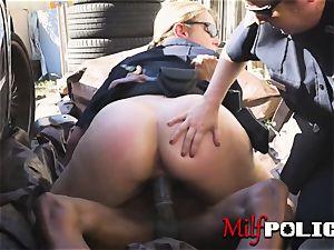 Rhasta criminal deepthroats on milf cops vulvas before screwing them